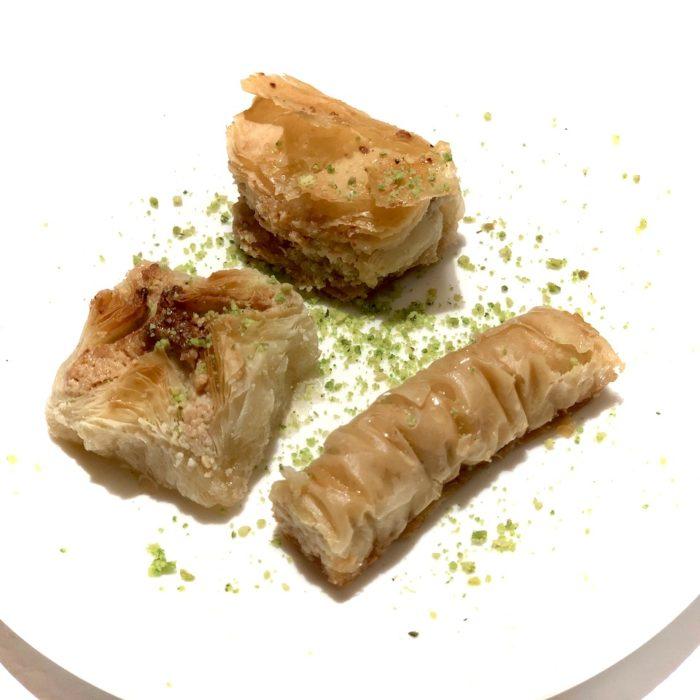 Baklawa 3 pièces (pâte feuilletée, noix de cajou, pistache)