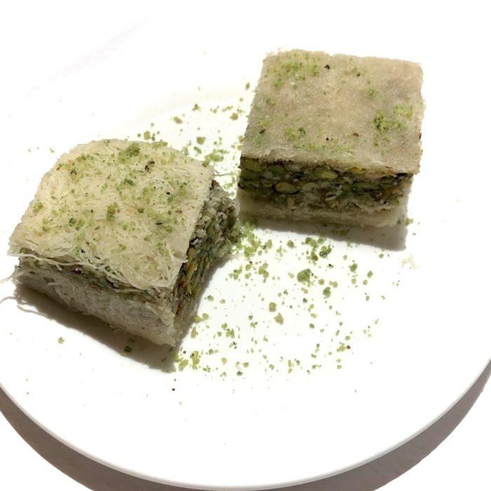 Balourieh 2 pièces (pistaches enrobées de vermicelles)