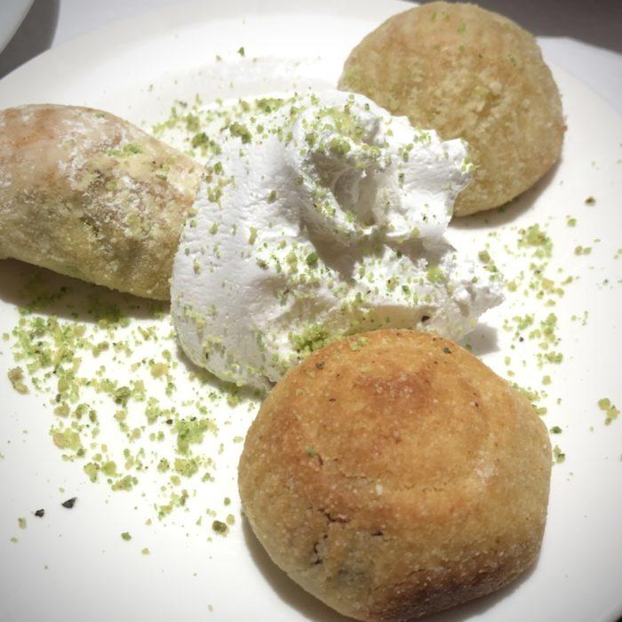 Maamoul 3 pièces (gâteaux farcis aux noix, pistaches et dattes)